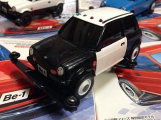 アメリカ風日産Be-1パトカー