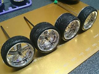 トレッドパターンタイヤ大径加工
