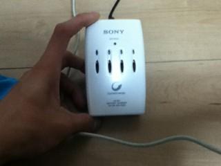 ○ニーの充電器