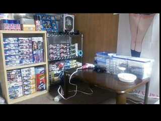 UMAの作業台とミニ四駆棚ときどきガンプラ
