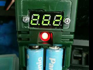 電圧計f(^_^;