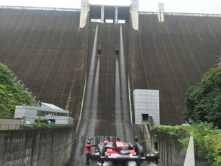 宮ヶ瀬ダムとフラットマシン