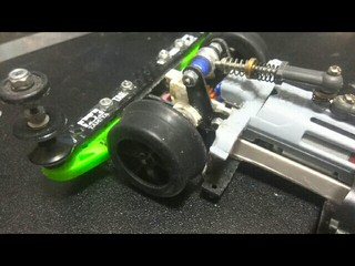 簡単軽量! 超硬スリックナロートレッドタイヤ
