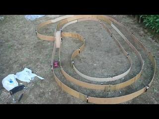 自宅の庭 オフロードミニ四駆サーキット