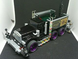 レッカー風6輪トラック「俺のデコトラ」