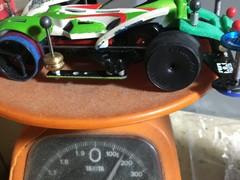 電池込み、160gのプラボディ。