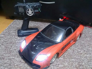 VeilSide RX-7のボディーをミニ四駆に