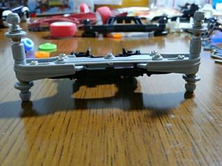 T-01とリアダブルローラーステー
