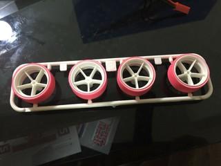 ピンクペラタイヤ