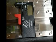 電圧測定器