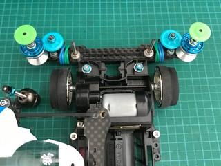 ロッキング対策カーボンピボットバンパー