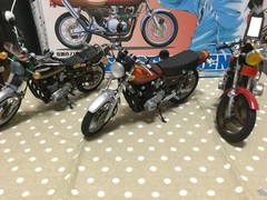 z2 バイクプラモ3台