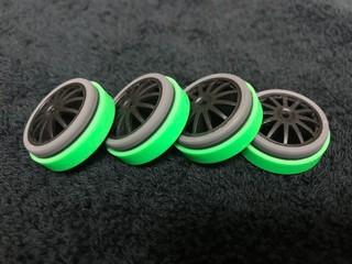 灰色+蛍光緑の防動胎
