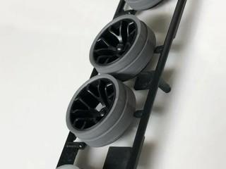 ハードローハイト段付きペラタイヤシルバー&カーボン強化ホイールYスポーク