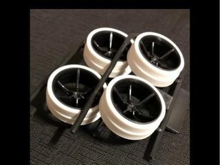 ハード大径ホワイト段付きローハイトペラタイヤ&カーボン強化6本スポークホイール