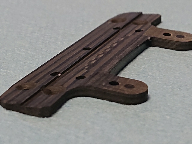 削り出し段付きベースプレート
