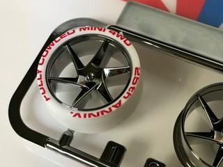 フルカウルミニ四駆25周年記念 ホワイトペラタイヤ&ブラックメッキホイール