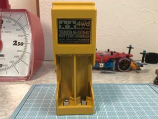 約30年前のタミヤニカドバッテリー充電器