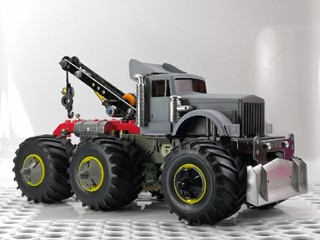 6X6 モンスターレッカー車