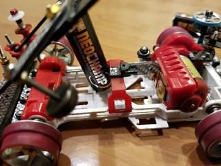 スラスト抜け防止バッテリーホルダー