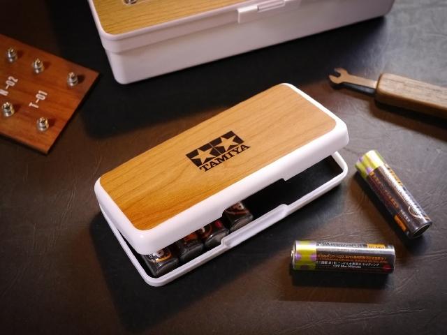 木目調電池ケース