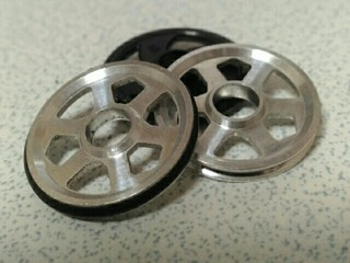 19mmプラリング付アルミベアリングローラー(6本スポーク)(黒)