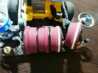 段付き細タイヤ