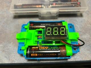 MSシャーシの電圧計
