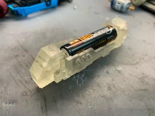 カッコよさげなバッテリーホルダー