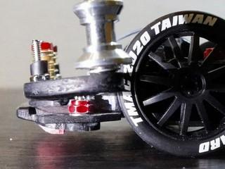 イニシャルスラスト調整機構付き2軸ATバンパー
