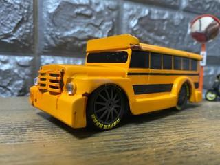 ジプニースクールバス