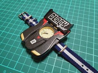 ブラックセイバー腕時計